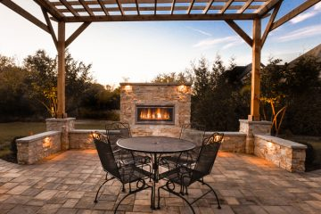 Firepits & Outdoor Fireplaces